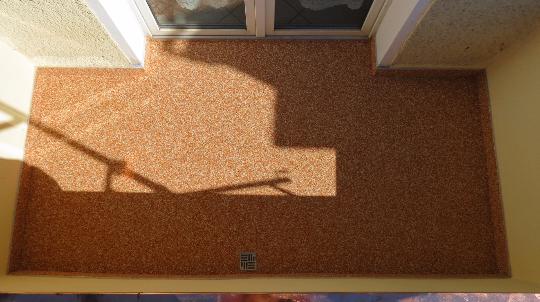Balkonabdichtung und Oberflächenbelag aus Steinteppich